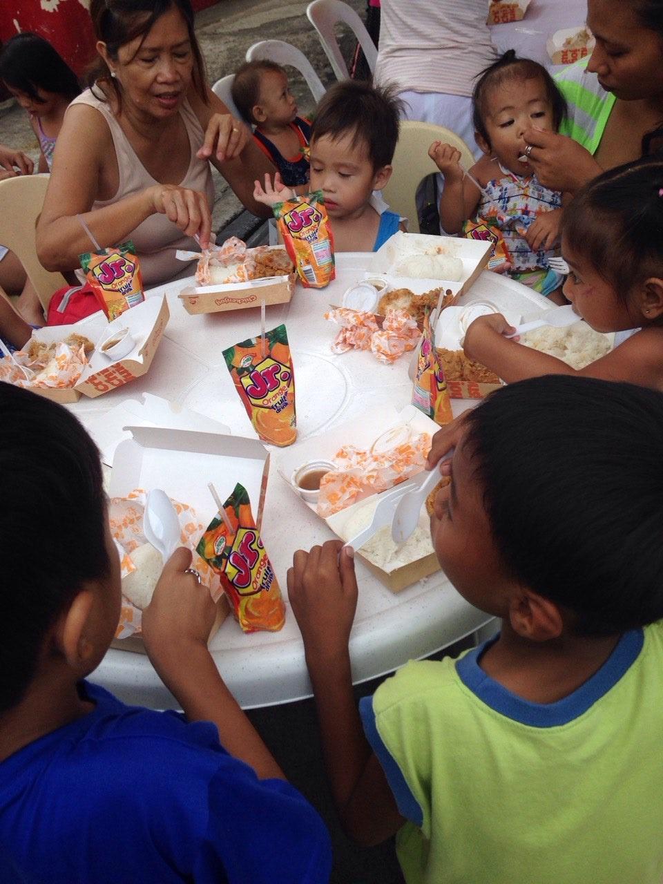 feeding 2015-006.jpg
