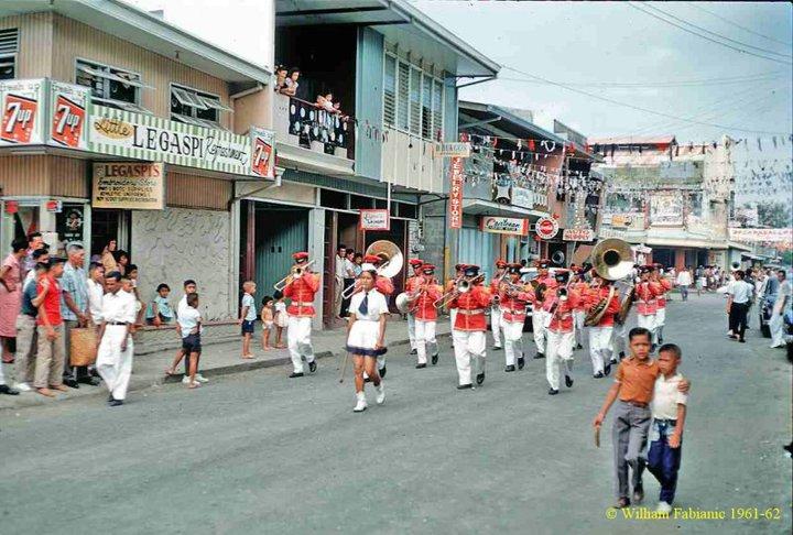 band-parade-during-fiesta