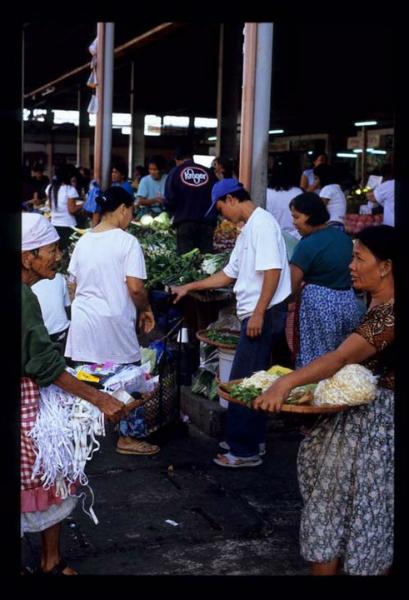 city-market-present