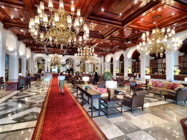 Manila Hotel inside