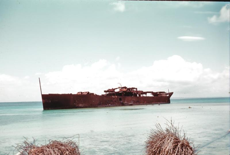 sulu041-grounded-japanese-ship-at-maubu-beach_aug61_0